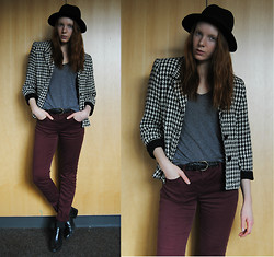 Quinn Bell - H&M Hat, Gap T Shirt, Thrifted Blazer, Zara Jeans, Thrifted Ankle Boots - Balmain Inspired