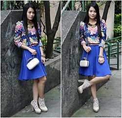 Zaira Chan - Clothes For The Goddess Top, Call It Spring Clutch, Trendphile Manila Necklace, Primadonna Heels - Blue