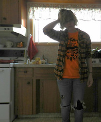 Jakki DesLauriers - West 49 Orange Flannel, Dumpster Mummy Caution Tape Tee, American Eagle Torn Knee Jeans, In The Bin Spider Web Leggings - The kings of the can