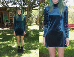 Freya C - Love Blue Velvet Dress, Demonia Creepers - In Love, Wearing Blue Velvet