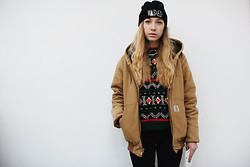 Purple V. - Carhartt Coat, Vintage, Cheap Monday Skinny Jeans, Rum & Kone Wasted Beanie - GIRLS IN CARHARTT