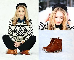 Petra Karlsson - Sweater, Shoes - <>◊<>◊<>◊<>