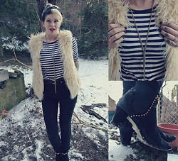 Annri L. - Thrifted Fur Vest, Jordache High Waisted Jeans, Bellini Gold Studded Ankle Boots, Forever 21 Gold Necklace - I don't want to meet your daddy, just want you in my caddy.