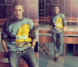 Mykola Hruts - Avenue Of The Stars Homer Simpson Wool Knit Sweater - Why Bart? Homer!