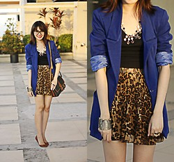 Anna  Dominique L. - Marc By Jacobs Eyeglasses, Forever 21 Blazer, Landmark Skirt, Posh Pocket Shoes Bendable Flats - Leopard Love (The A List)