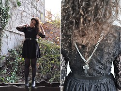 anaïs ▲ - Primark Lace Dress, Vagabond Platform Shoes, Chain, Mum's Belt -  she hides her heart in her heart.