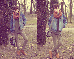 Mateusz Sawiel - H&M Scarf, Bershka Bag, H&M Boots, Second Hand Denim Jacket - Just ride.