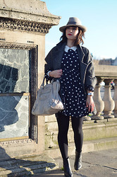 Valentine Hello - Borsalino Hat, Olive Baby Doll Polka Dots Dress, Balenciaga Bag - Polka dots