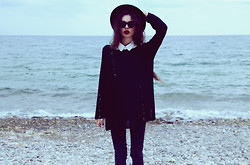 Violet Ell - Thrift Store Sweater, Thrift Store Shirt, Thrift Store Hat, Ray Ban Sunglasses - 13.10.2012