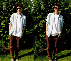 Claudio S - Topman Chocolate Slim Chinos, Topman Regular White T Shirt, Topman Denim Shirt - Muse - The Small Print!