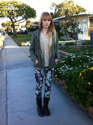 Lauren Stamer - Cotton On Military Jacket, H&M Knit Sweater, H&M Floral Leggings - Blossom