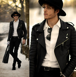 Adam Gallagher - Boda Skins Leather Jacket, Similar Here  > Wide Brim, Raybans - NYFW 2 - Central Park Pilgrim