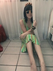 ○○✝kinderwhore ✝○○ - Moms Colored Dress, Ray Ban Yellow Glasses - MGMT - Electric Feel