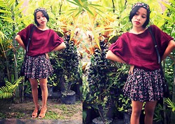 Tuti Mahayani - Made By Me Headbang Floral, Vintage Floral Skirt, Etnic Bag, Rosy Red - Red Valentine
