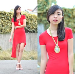 Gillian Uang - Sm Gtw Red Mullet Dress, Pre Brulee Statement Necklace, Céline White Heels - Solid Red