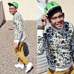 Lo Pascual ⚓ - H&M Sweater And Shoes - The Dino Boy!