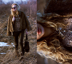 Hédi Szabó - Chanel Sunglasses, Vintage Faux Fur Coat, New Look Snake Print Shirt, Vintage Leather Pants, Vero Moda Bag, Pull & Bear Collar Necklace - Bestial