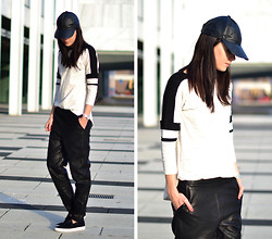 Lucy De B. - Baggy Leather Track Pants, Leather Cap - Sporting Leather