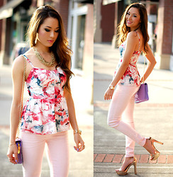 Jessica R. - Guess? Floral Blouse, Guess? Pink Denim, Daily Look Rose Gold Heels, Mimi Boutique Gold Chain Necklace - Walking on Sunshine