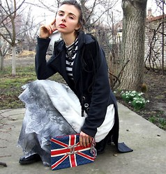 Zorjana Kanjuga - My Handmade Tailcoat, My Handmade Skirt, My Handmade Purse - Sunday afternoon