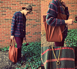 Vinny Owen - Bags Leather Tote, Thrifted Sweater, Diy Necklaces, Fedora Brown Felt - Trampled Rose