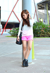Kat M - Happyboon Neon Shorts, To Pullover - Think Bright Pink