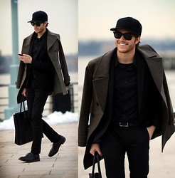 Adam Gallagher - Herve Leger Hat, Fashops Coat, Zara Suit, Coach Bag - NYFW 4 - Cap & Cape