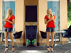 Kristal Anderson - Zara Top, Vintage Leather Shorts, Mango Shoes, Oia And Jules Necklace - SADIE