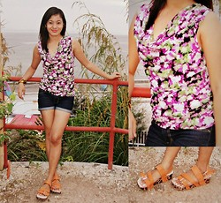 Medelyn Aligan - Atmosphere Floral Sleeveless, Orange Flatform - Make It Simple