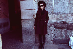 Violet Ell - Thrift Store Coat, Thrift Store Hat, Thrift Store Scarf, Dr. Martens Boots, Ray Ban Sunglasses - 15.02.2013