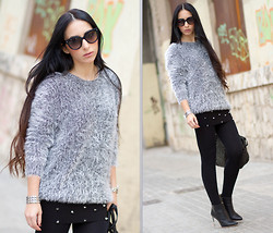 WOWS . - Prada Sunglasses 17os - GREY FLUFFY SWEATER and SPIKES