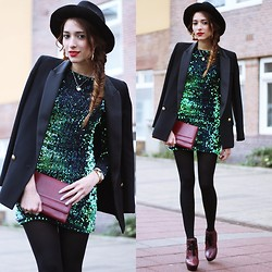 Virgit Canaz - Motel Rocks Sequin Green Dress, Burberry Burgundy Boots - The fish tail braid