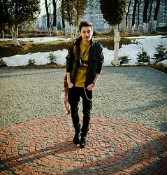 Alex Matei - Bershka Jacket, Pul&Bear Shirt, H&M Jeans, Yellow Stone Shoes, Bershka Scarf - Looking for trouble