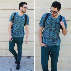 Reinaldo Irizarry - Topman Shirt, Zara Jeans, Ralph Lauren Boots, H&M Backpack, Tom Ford Glasses - IN ALL DIRECTIONS