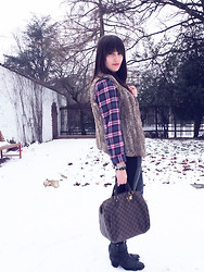 Vanessa P. - Louis Vuitton Bag, H&M Plaid Shirt - The Girly Plaid Shirt