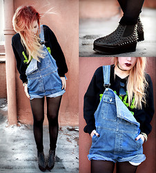 Lua P - Second Hand Dungarees, Unif Hellseeker, Jac Vanek Chill Out Sweatshirt - CHILL OUT.