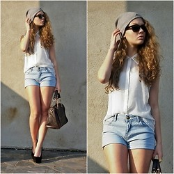 Jovana D. - Adidas Hat, Ray Ban Sunglasses, New Yorker Blouse, New Yorker Shorts, Accessorize Bag - Sweet serial Killer