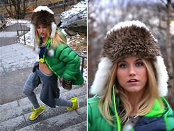 Malin Lagerqvist - Norrøna Down Jacket, Nike Sneakers, Nike Tights - Fluffy Hat
