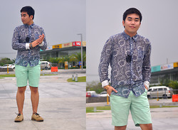 Vergil Lloyd Chua - Energie Long Sleeves Button Down Shirt, Topman Chain Bracelet, Cravemore Owl Acrylic Necklace, Giordano Mint Shorts, Zara Shoes - Julep