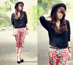 Anastasia Siantar - Cotton Block Black Chiffon T Shirt, Forever 21 Floral Pants, Bowknot Detailing Black Trilby - Floral pants