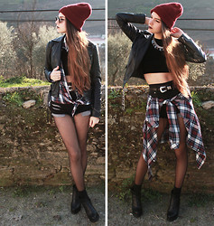 CLAUDIA Holynights - Miista May Boots, Velvet Crop Top, Hearts And Bows Plaid Shirt - ESTRANGED