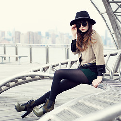 Rachel-Marie Iwanyszyn - Crossroads Trading Co. Hat, Sugarlips Military Inspired Jacket, Romwe Wool Shorts, Matiko Army Green Ai Boots, Http://Www.Jaglever.Com, Zerouv Black & Gold Sunglasses - NO TOMORROWS.