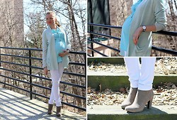 Elena Fay - Motherhood Maternity Skinny Jeans, Naturalizer Booties, Daniel Wellington Watch, Maternity Top - Spring is here