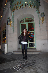 Liz Benichou - Marlboro Classic Leather Jacket, Gap Sweater, Brandy Melville Usa Tank, Bershka Jeggings, Stuart Weitzman Over Knee Leather Boots, William B+ Friends Leather Backpack - Places Des Victoires