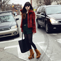 Rachel-Marie Iwanyszyn - Zerouv Sunglasses, Sheinside Fur Jacket, Romwe Wool Shorts, Choies Leather Bag, Acne Studios Pixel Boot, Http://Www.Jaglever.Com - CARRIES ON.