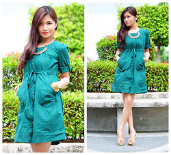 Chabby Le Requin - Dress - Green and Gold