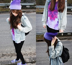 Julie B. - Topshop T Shirt, Monki Beanie, Vintage Shop Denim Jacket, New Look Bag - One color at the time.