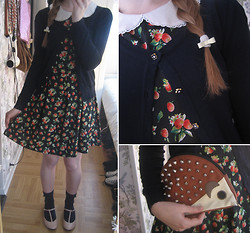 Amanda W - Forever 21 Strawberry Dress, Forever 21 Navy Scalloped Cardigan, Accessorize Bow Hair Tie, Asos Hedgehog Clutch, Asos T Strap Shoes, Lindex Navy Ribbon Socks - Kotte!