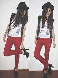 Giovanna C. - Hot Topic Fedora, Image Red Pants, Forever 21 Black Heels - Alice Practice