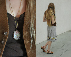 Audrey Riley - Forever 21 Sandals, Vintage Skirt, Vest, Necklace - Renaissance Peasant